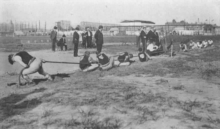 Prova do cabo de guerra durante as Olimpíadas de St. Louis, em 1904 (Imagem: Arquivo / COI)