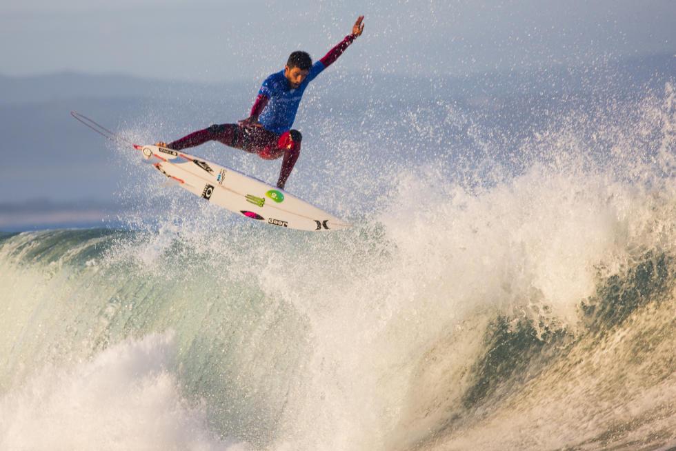 Filipe Toledo no Round 4 (Foto: WSL / Pierre Tostee)