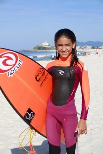 Sophia Medina quer seguir os passos do irmão (Foto: Basilio Ruy / ricosurf.com.br)
