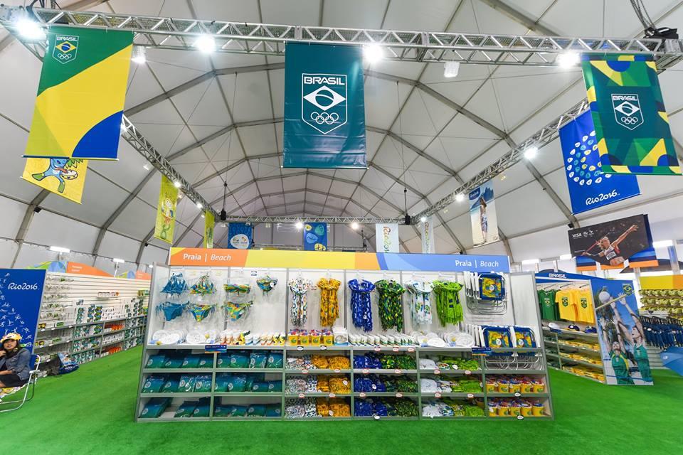 A loja conta com uma enorme variedade de produtos licenciados (Foto: Rio2016)