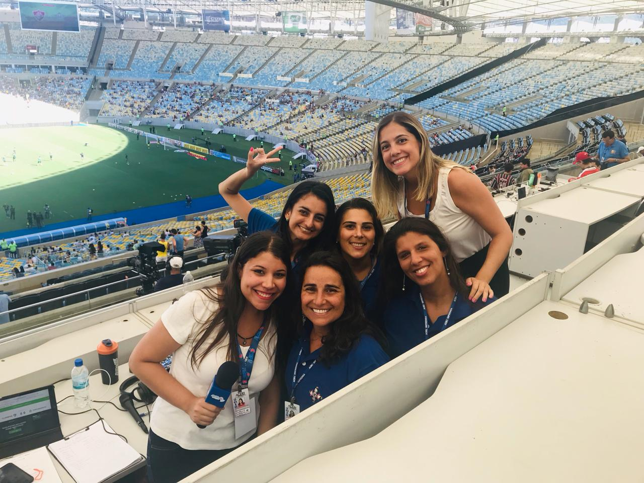 As Damas na partida Flu x Portuguesa, no Maracanã