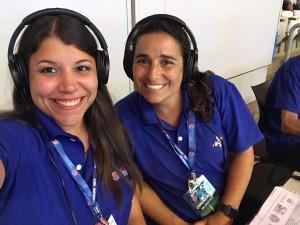 Karine Gomes e Luciana Zogaib antes de a bola rolar